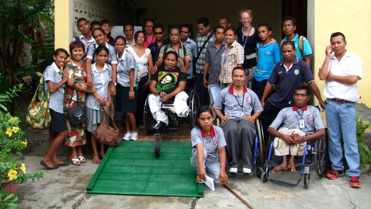 People with disabilities suffer from high levels of discrimination in East Timor, which has been an independent country for less than two decades. Handicap International works in the country to champion the rights of people with disabilities, ensure children with disabilities can attend school, and promote the professional inclusion of young people with disabilities.