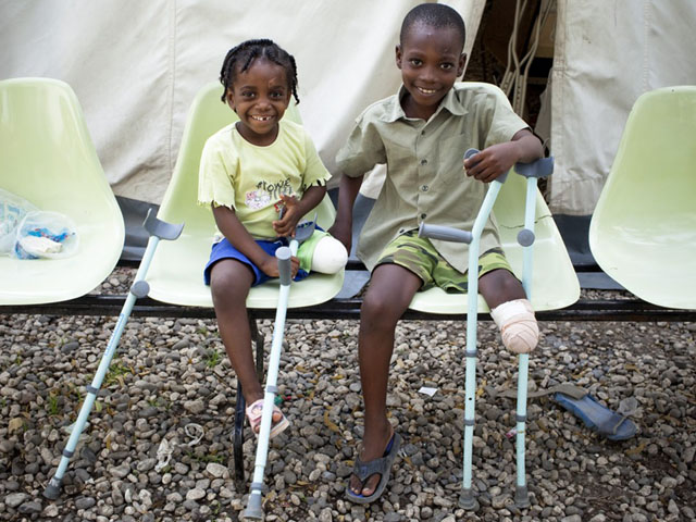 Handicap International has worked in Haiti since 2008. After the island was hit by Hurricane Matthew on 4th October 2016, affecting more than two million people, the organisation launched an emergency response to support the victims. Handicap International also deployed unprecedented resources to assist people injured in the earthquake of January 2010, which caused more than 230,000 people to lose their lives and injured a further 300,000.