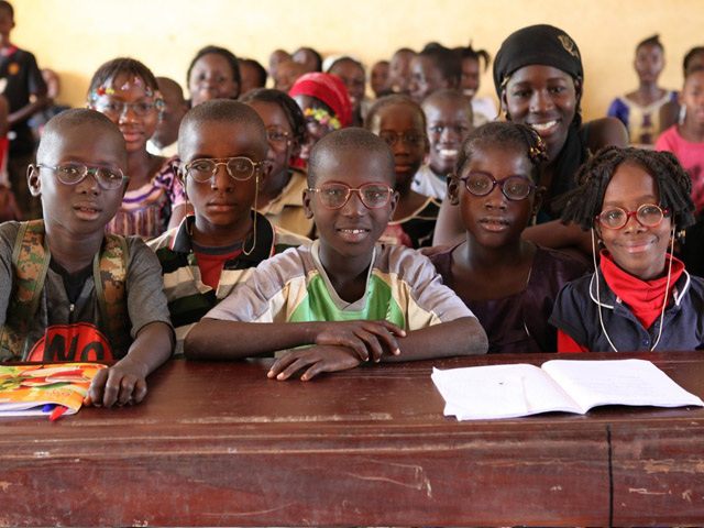 Handicap International is working to support the people of Mali, who have been badly affected first by drought, then by the 2012 conflict which split the country in two. The organisation runs around fifteen projects aimed at helping victims, reducing the risk of disability and malnutrition in young children, improving the inclusion of people with disabilities and supporting reconciliation initiatives.