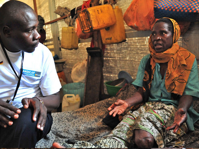 Handicap International works to prevent disability in the Democratic Republic of Congo. In Kinshasa, the organisation is making particular efforts to assist mothers and children, including by improving the early detection of disability and the access of children with disabilities to school. In the east of the country, the organisation is providing support to the most vulnerable people in zones affected by the chronic humanitarian crisis.