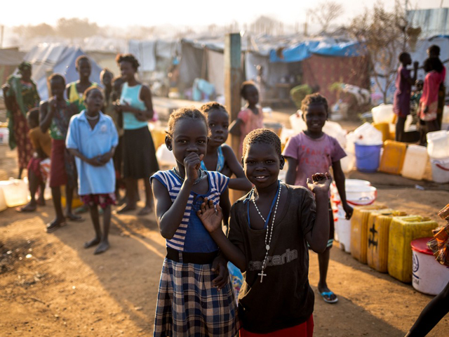 Handicap International works in this fledgling State, founded in 2011, a theatre of armed conflict, to help the South Sudanese fleeing the fighting, in particular the most vulnerable populations. The organisation mainly provides rehabilitation care and psychosocial support. At the same time, it fights against discrimination targeting people with disabilities.
