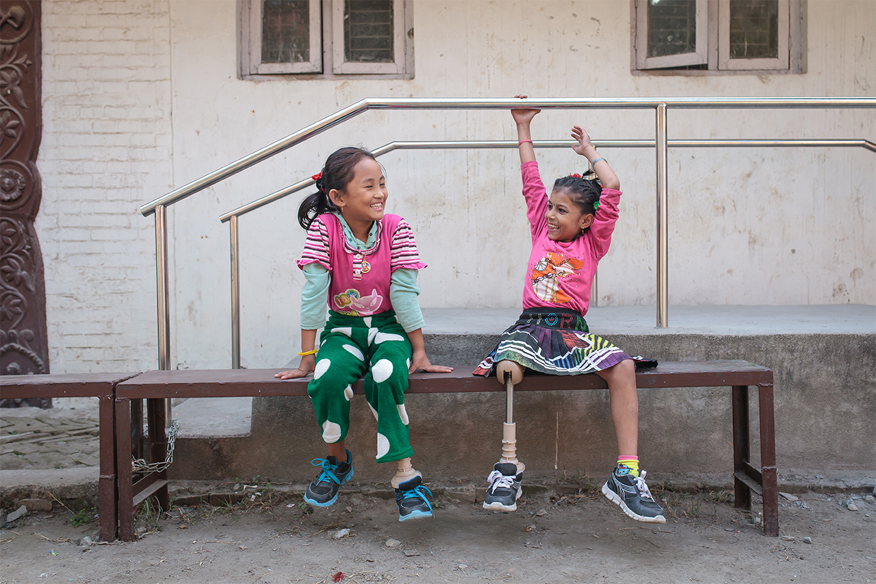 Nirmala and Khendo both received a prosthesis one month ago and are learning how to walk again.