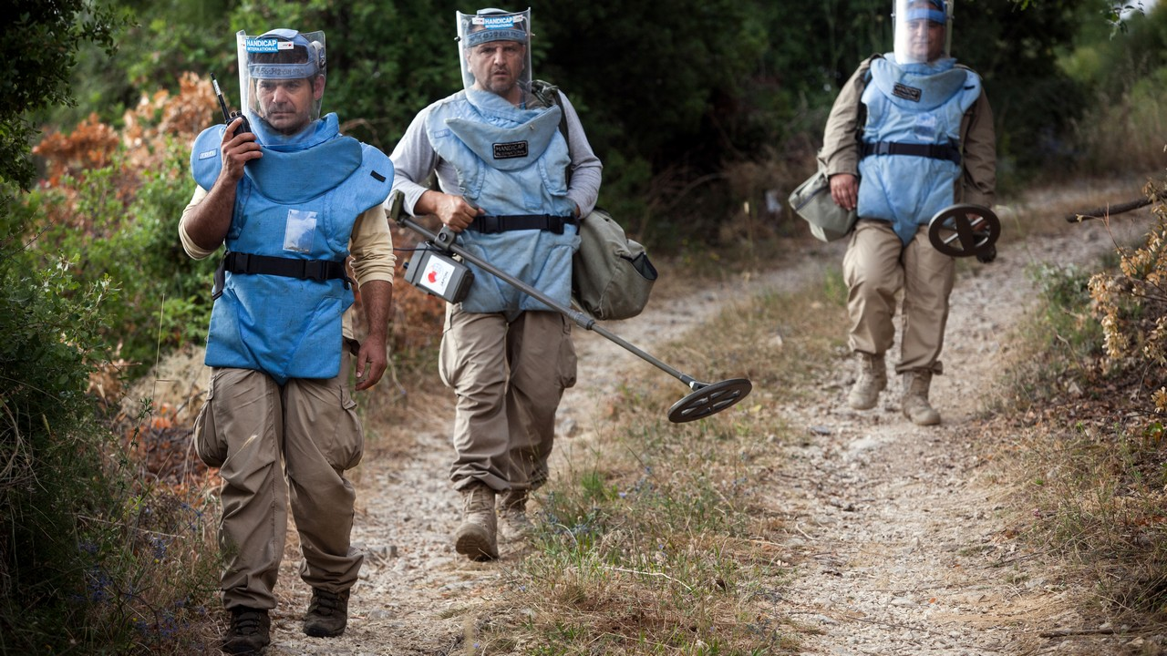 Handicap International deminers in North Lebanon