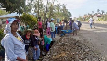 Philippines: HI provides clearance kits to people affected by typhoon