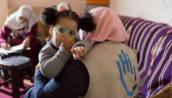 Safaa, 2, starts to walk again thanks to rehabilitation care