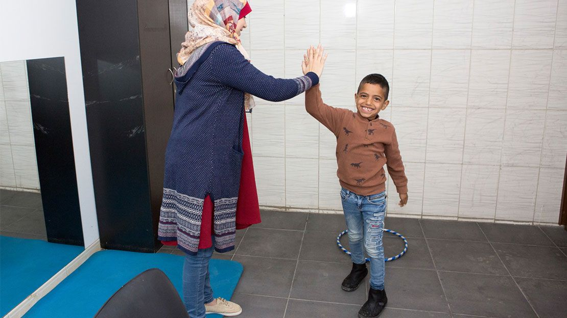 Rawad, 7 years old, has hearing problems. He is supported by the Mousawat rehabilitation centre in Lebanon and takes part in psychosocial sessions.