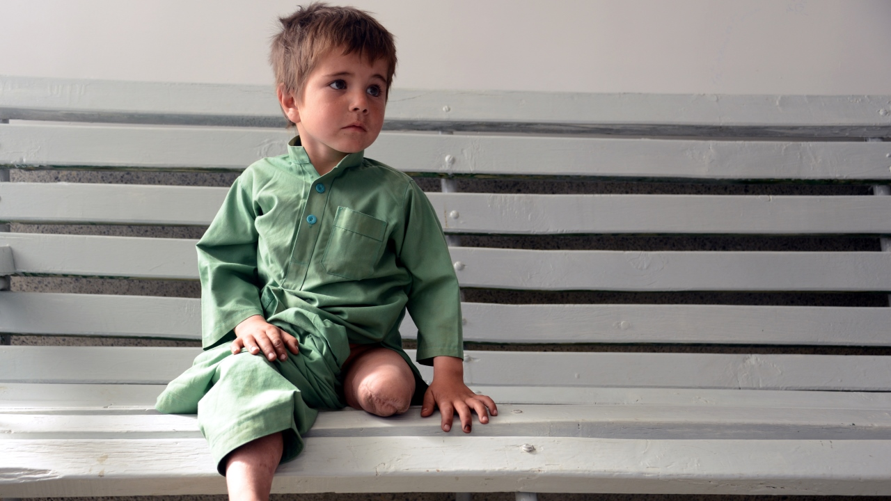 Sayed Rasool is a 6 year old boy from Afghanistan who was injured when an improvised mine exploded.