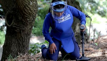 Demining in Colombia: Women to take leading role in mine clearance