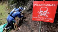 Training deminers in Colombia with Handicap International; }}