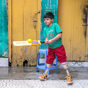 Fayaz playing cricket