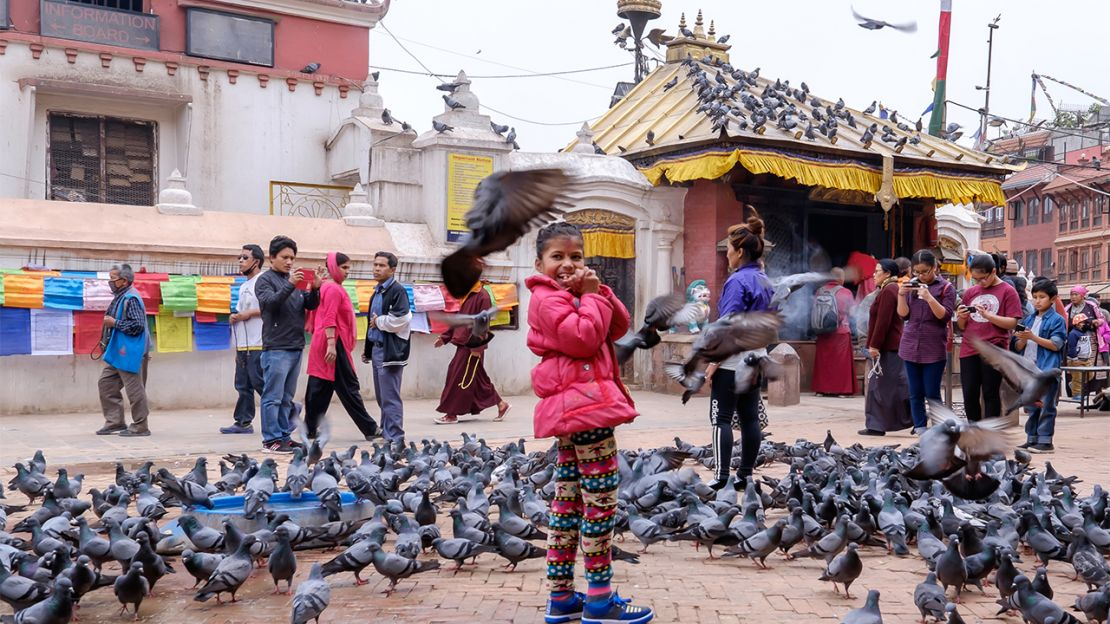 Nirmala lost her right leg in the devastating earthquake in Nepal. A year later she has learnt to walk again with Handicap International's support. Here she is at Boudhanath temple.